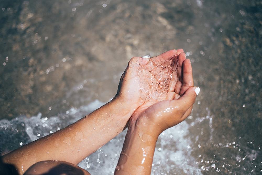 kéz, kézkrém, kézápolás, krém, arc, bőr, tápláló, egészséges, tápanyag, hidratáló, ránctalanító, öregedésgátló, natúrkozmetikum, vegán, összetevő,